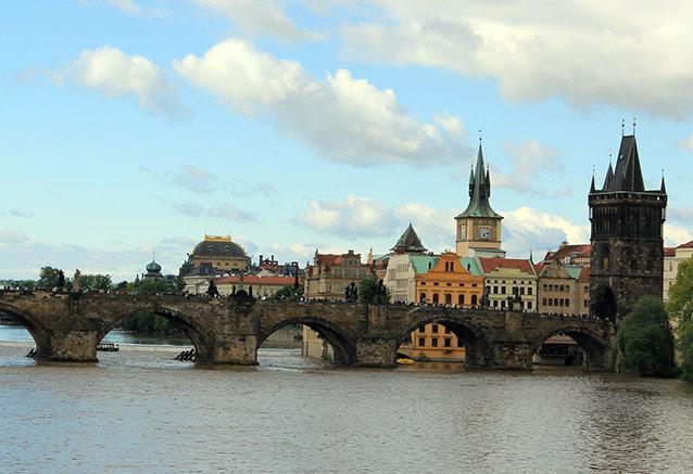 Viaje tour republica checa Puente de Carlos Praga