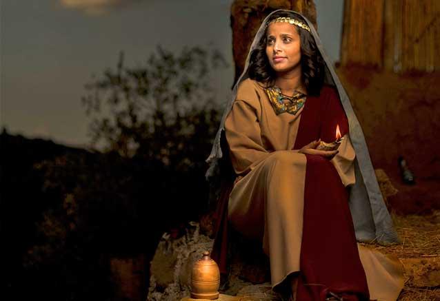 Foto del Viaje Viaje-Egipto-Semana-Santa-y-Puente-Mayo-foto-mujer-por-Gift-Habeshaw.jpg