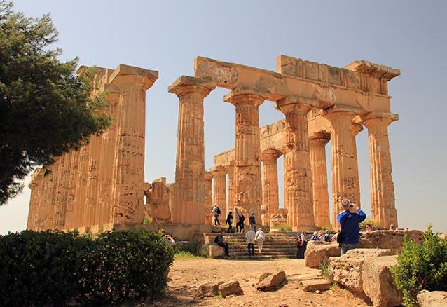 Viaje circuito sicilia catania Templo Segesta Sicilia