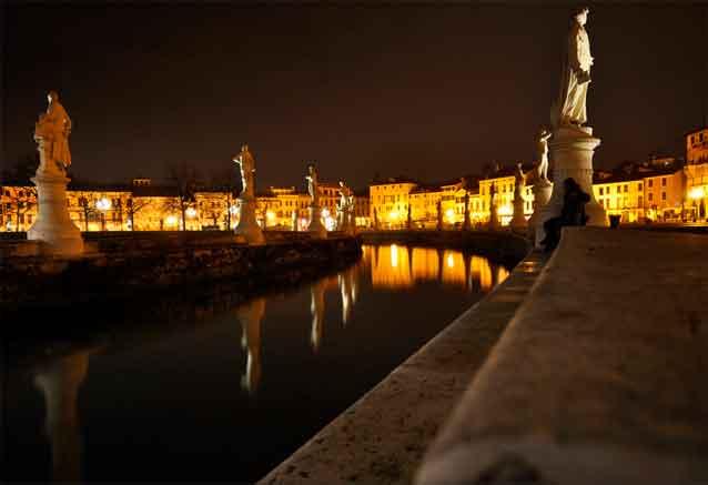 Foto del viaje ofertas explendor italiano padova de noche oferta