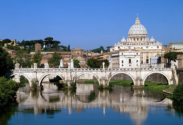 Viaje soles italia 12 dias Vaticano Tiber Italia
