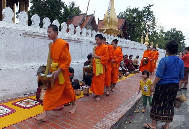 Viaje vietnam camboya esencial Luang Prabang 1