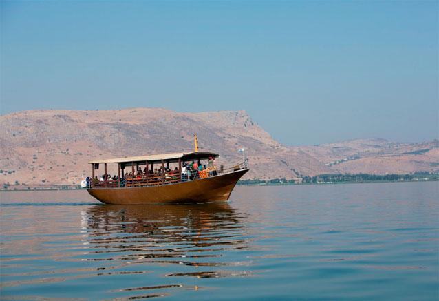 Viaje tour lea israel peregrinos en el lago