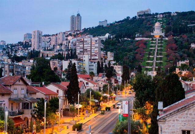 Viaje tour rebeca israel subida a la iglesia