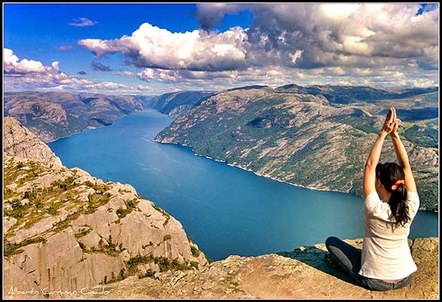 Foto del viaje ofertas viaje fiordos noruegos stavanger Serenidad en El Pulpito noruego por Alberto Carrasco Casado licencia 2 0