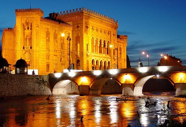 Viaje venecia dubrovnik 11 dias Sarajevo Vijecnica
