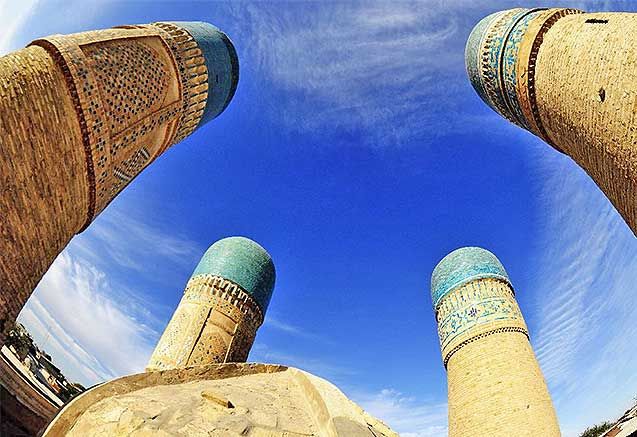 Viaje trans uzbekistan cultural Madraza de Bukhara, en Uzbekistan