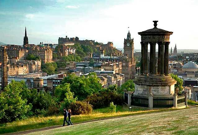 Viaje tesoros escocia 8 dias Edimburgo skyline Escocia por scottisch viewpoint