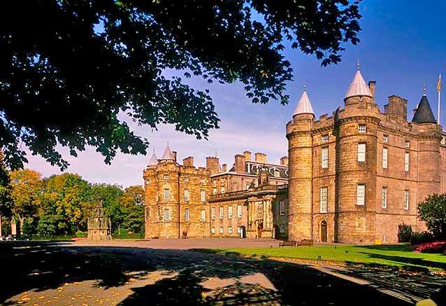 Viaje tesoros escocia 8 dias Palacio de Holyroodhouse Edimburgo Escocia por Scottisch Viewpoint