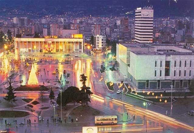 Viaje gran tour balcanes 15 dias tirana plaza central