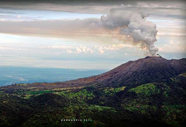 Viaje costa rica gran lujo Volcan Turrialba Costa Rica