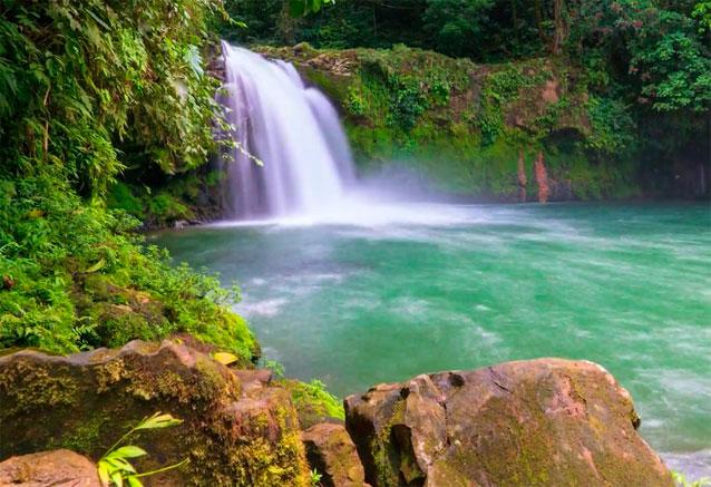 Viaje aventuraleza costa rica cascada costa rica