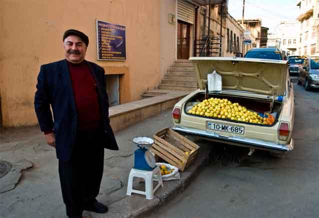 Viaje azerbaiyan georgia cultural gente feliz azerbayan