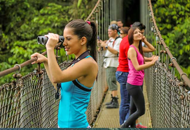 Viaje oferta costa rica libre 4x4 Observacion de aves en los puentes colgantes de Mistico Park