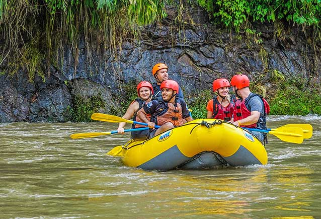 Viaje oferta costa rica libre 4x4 Rafting en Costa Rica con Jacamar