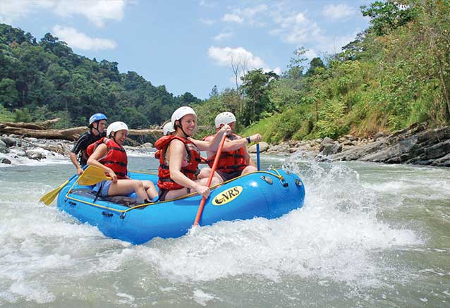 Viaje oferta costa rica libre 4x4 Rafting en el Savegre con Jacamara