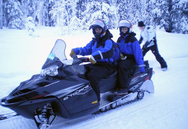 Viaje leyendas invierno laponia moto nieve