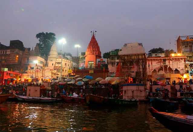 Viaje delhi jaipur agra benares benares atardecer en el rio
