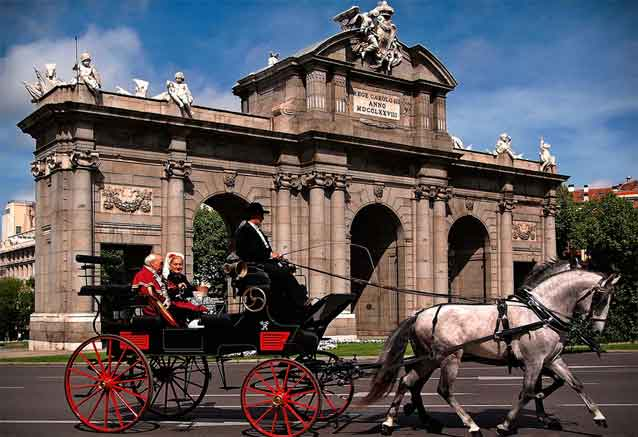 Viaje tour europa latina madrid coche