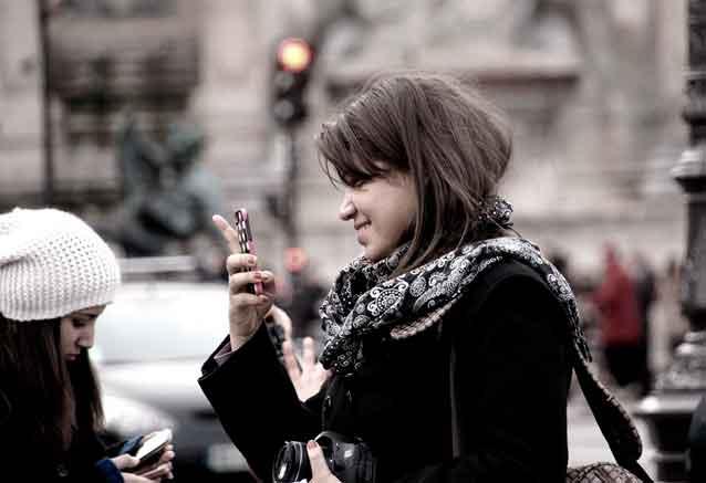 Viaje sofisticada europa paris chicas y moviles