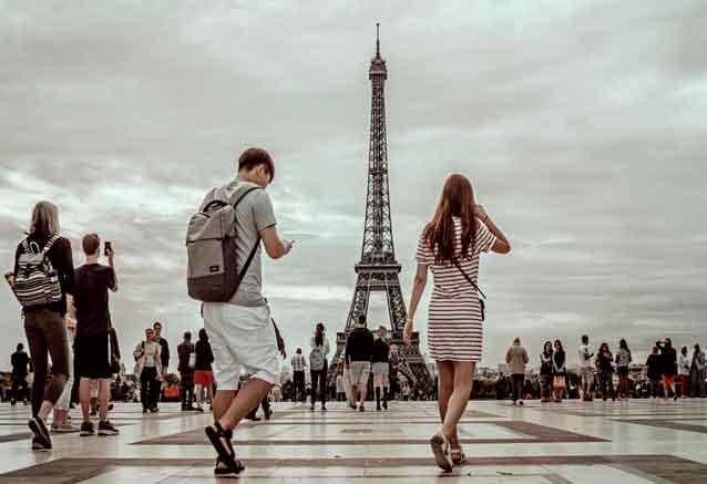 Viaje sofisticada europa paris gente y la torre infiel