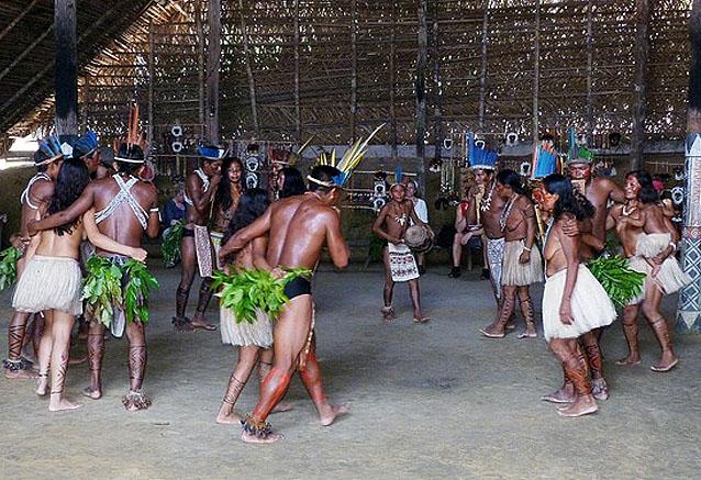 Viaje descubre brasil medida tribu amazonas