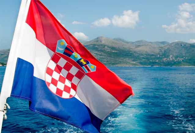 Viaje crucero yate italia croacia bandera croacia