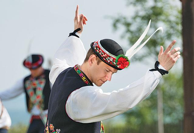 Viaje praga bohemia lo mas bello chequia Bailarin de la republica Checa