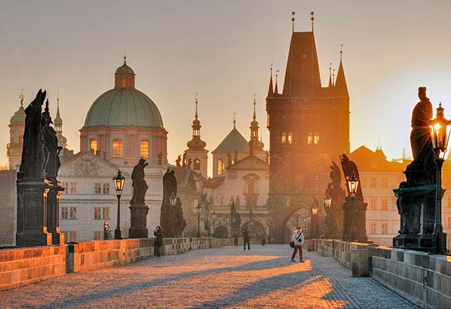 Viaje praga bohemia lo mas bello chequia El puente de Carlos en Praga